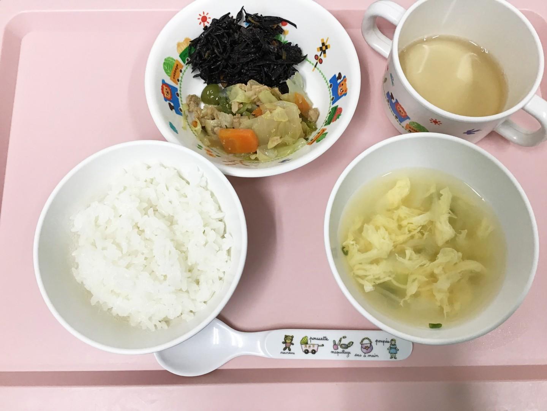 ごはん、焼き肉風いため、ひじきの煮物、たまごスープ